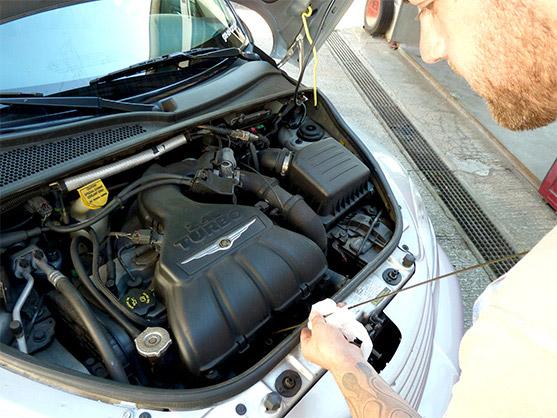 Auto Service Servicearbeiten Jahresinspektion Reparaturarbeiten